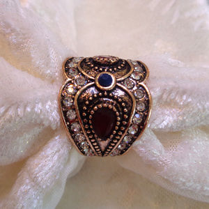 vintage jewelry Jewelry - HAND CRAFTED UNIQUE LADYS ANTIQUE GOLD RING SIZE 7